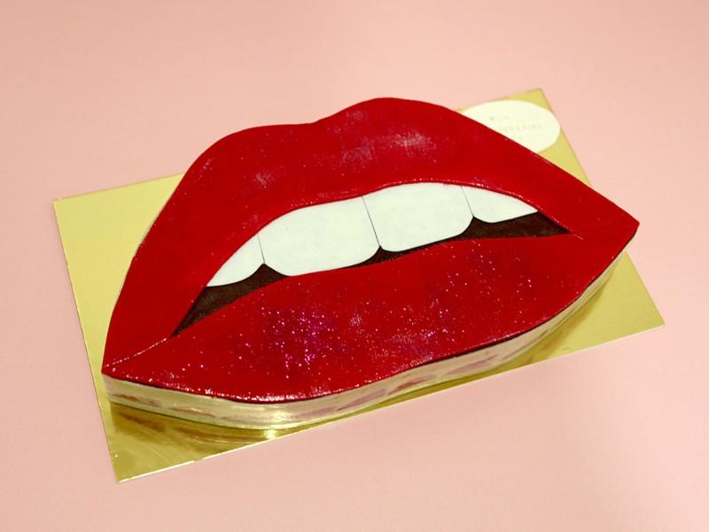Gâteau Lipstick avec Framboisier Stracciatella