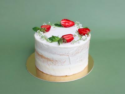 Nude cake de saison fraise et menthe