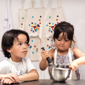 Et si on donnait au mois de janvier un bon petit coup de fouet ? Nos Ateliers de pâtisserie Kids et Teens reprennent dès la semaine prochaine ! Et en plus, on prévoit des *Ateliers-Goûters* pour les enfants, pour encore plus de gourmandise.⠀⠀⠀⠀⠀⠀⠀⠀⠀ ...⠀⠀⠀⠀⠀⠀⠀⠀⠀ Au programme :⠀⠀⠀⠀⠀⠀⠀⠀⠀ 🦄Cupcakes Licornes⠀⠀⠀⠀⠀⠀⠀⠀⠀ ⚡️Spécial Harry Potter⠀⠀⠀⠀⠀⠀⠀⠀⠀ 👑Galettes des Rois⠀⠀⠀⠀⠀⠀⠀⠀⠀ 🦊 Sablés décorés Animaux⠀⠀⠀⠀⠀⠀⠀⠀⠀ 🍪Ateliers-Goûters à partir de 4 ans...⠀⠀⠀⠀⠀⠀⠀⠀⠀ ...⠀⠀⠀⠀⠀⠀⠀⠀⠀ Merci à Joseph & Santa et @marie_dathanat pour être nos petits pâtissiers modèles de toujours ❤️⠀⠀⠀⠀⠀⠀⠀⠀⠀ ...⠀⠀⠀⠀⠀⠀⠀⠀⠀ Inscriptions directement sur notre website chezbogato.fr⠀⠀⠀⠀⠀⠀⠀⠀⠀ ...⠀⠀⠀⠀⠀⠀⠀⠀⠀ [info] Nous avons hâte de reprendre les Ateliers Duo Parent/Enfant et les Ateliers Cake design Adultes : nous attendons que les dispositions gouvernementales nous y autorisent 💪  📸 @herve_goluza