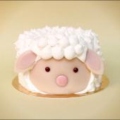 Notre Gato Moumoutte est le parfait compagnon pour cette nouvelle semaine de confinement : moelleux à la vanille et au chocolat blanc & ganache montée au chocolat blanc. #mieuxqunplaid #confiautomne 🍁🍂⠀⠀⠀⠀⠀⠀⠀⠀⠀ ...⠀⠀⠀⠀⠀⠀⠀⠀⠀ Découvrez notre sélection courte de Gâteaux et de sablés pour vous faire du bien ! Nos pâtisseries sont fermées, mais nous livrons tout le Grand Paris :⠀⠀⠀⠀⠀⠀⠀⠀⠀ o le mardi, pour vos mini-fêtes jusqu'au jeudi⠀⠀⠀⠀⠀⠀⠀⠀⠀ o le vendredi, pour vos mini-fêtes du WE⠀⠀⠀⠀⠀⠀⠀⠀⠀ ... Et toute la France pour nos sablés !