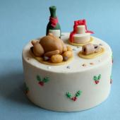 Vous reprendrez bien une petite part ? Commandez dès maintenant votre Gâteau de Noël pour vos fêtes de fin d'année ! ... Ici, notre nouveau Gâteau Mon Réveillon : un entremet façon poire belle Hélène, pour finir en beauté avec une traditionnelle recette de Noël ! Biscuit chocolat noir, crème mousseline à la vanille de Madagascar, marbré chocolat fondant, poires pochées... Enfin, un vrai repas de fête !  ... Vous pouvez même le personnaliser avec le nom de votre famille ou de votre crew #lamagiedenoel ... 🍾 À commander sur www.chezbogato.fr ou à réserver directement dans notre pâtisserie festive, 5 rue Saint Merri dans Le Marais. ... #pourchangerdelabuchedenoel